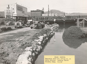 a1999-004-1051-temp-flood-control-dike-nw-irving-at-broadway-ramp-1948